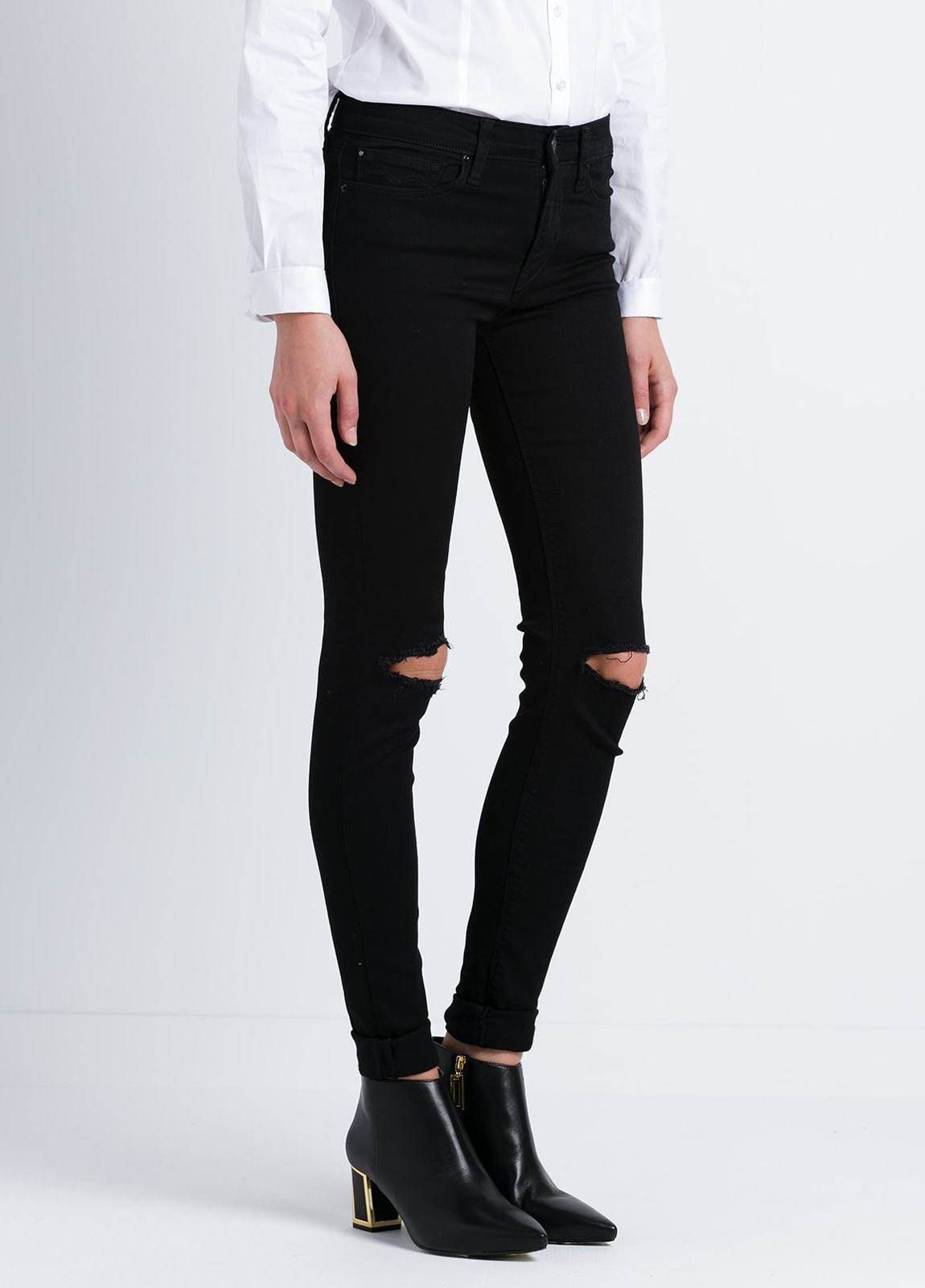 Tejano jegging modelo JOI con roturas en las rodillas color negro lavado denim. Algodón, Modal, Elastano. - Ítem1