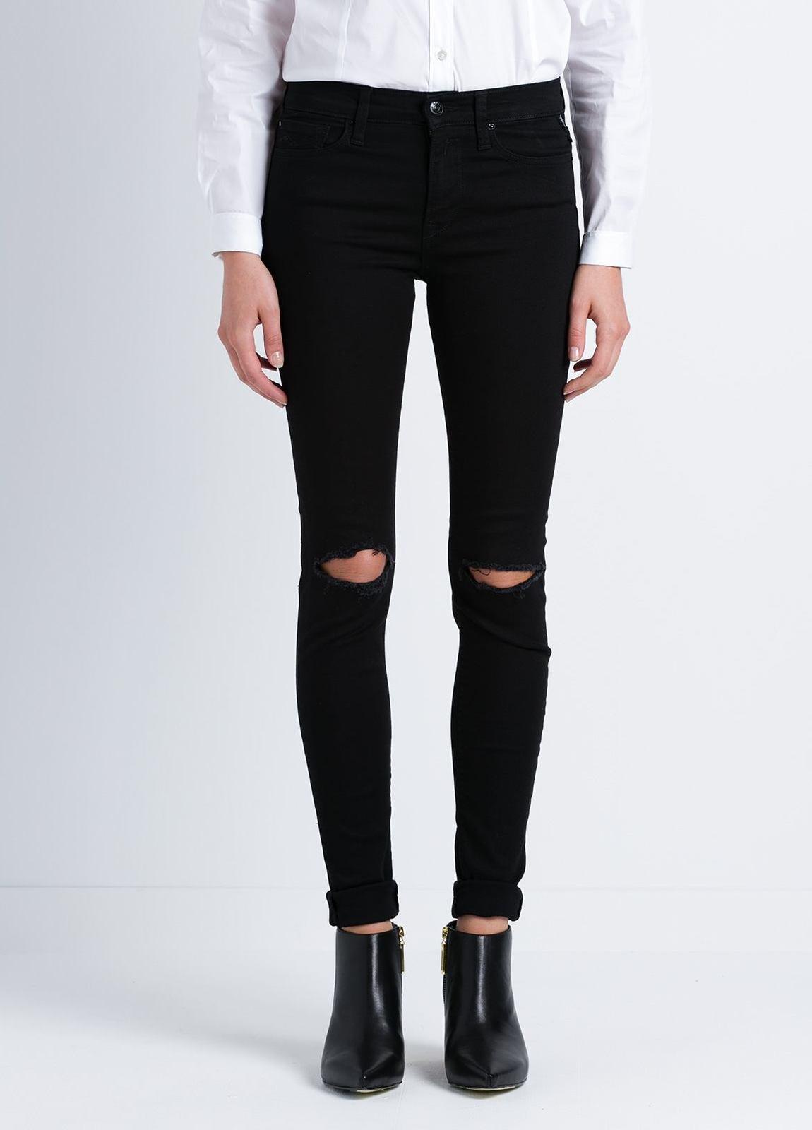 Tejano jegging modelo JOI con roturas en las rodillas color negro lavado denim. Algodón, Modal, Elastano.