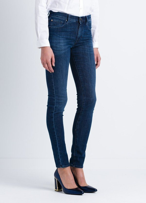 Pantalón tejano woman modelo KIMBERLY SLIM, color azul lavado. - Ítem3