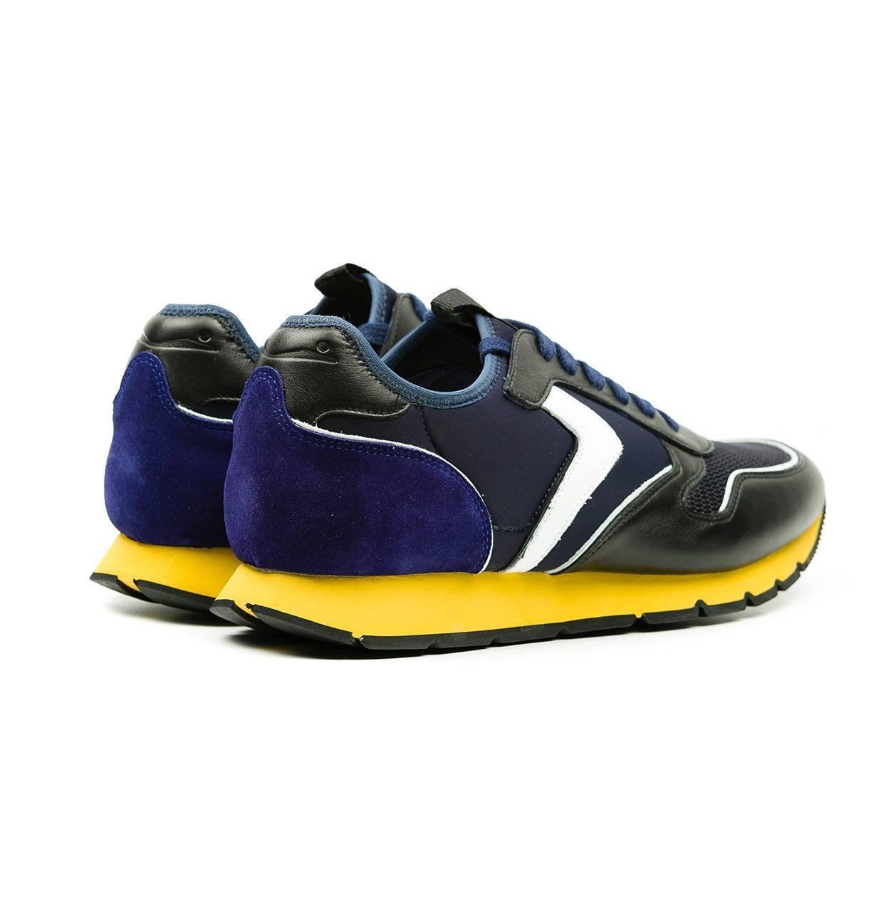 Bambas moda hombre modelo LIAM DIVE color negro y azul con suela amarilla - Ítem1