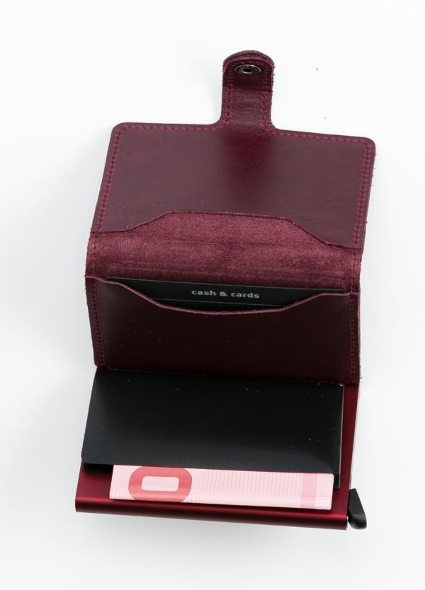 Secrid slim wallet piel color burdeos, con cardprotector de aluminio ultrafino. - Ítem1