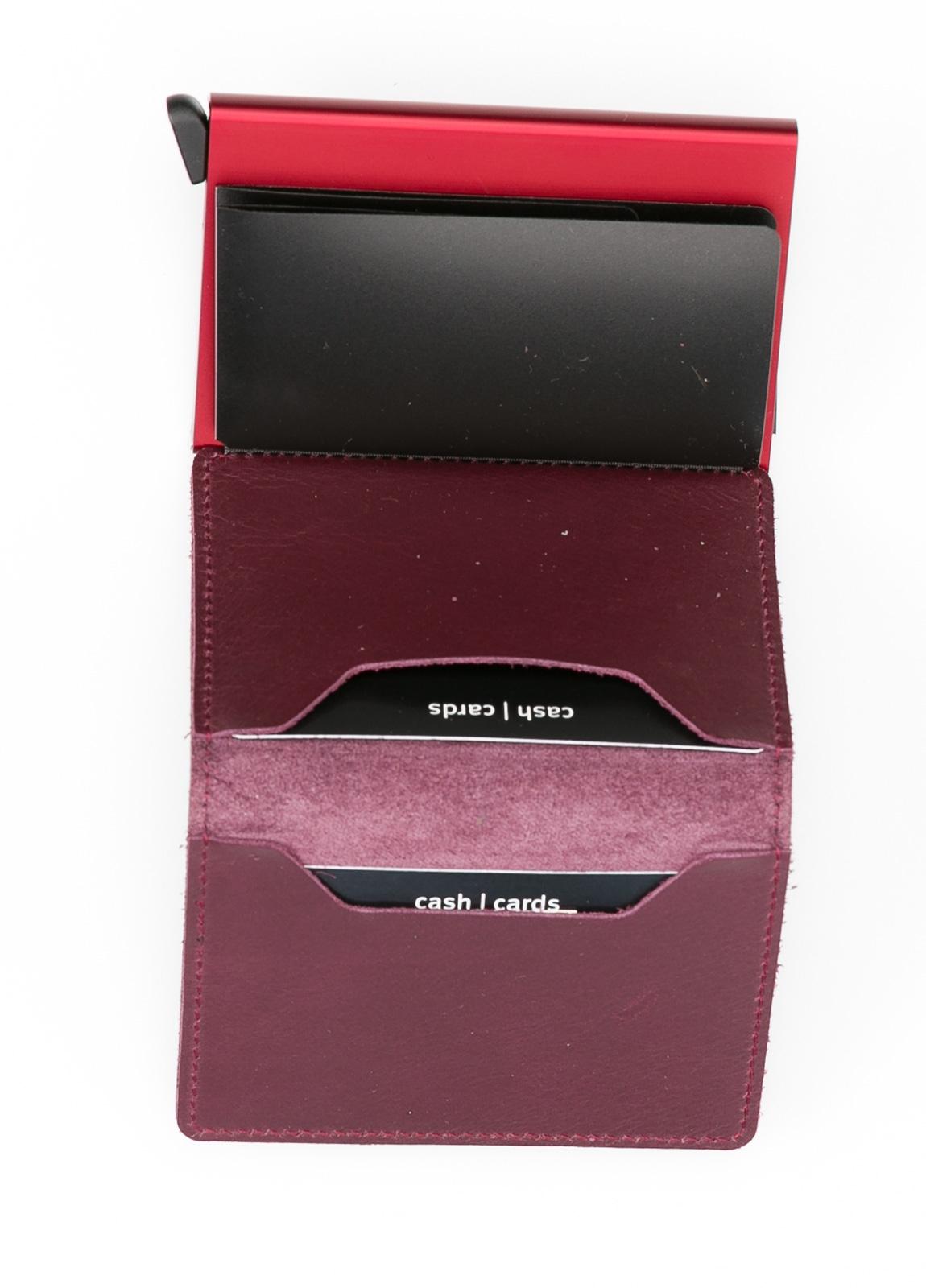 Secrid slim wallet color burdeos, con cardprotector de aluminio ultrafino. - Ítem1