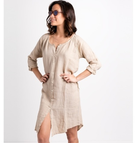 Vestido camisero oversize modelo EPOS color beige, 100% lino.