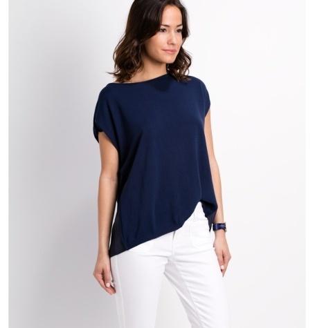 Suéter asimétrico de punto modelo CRYSTAL, color azul marino.