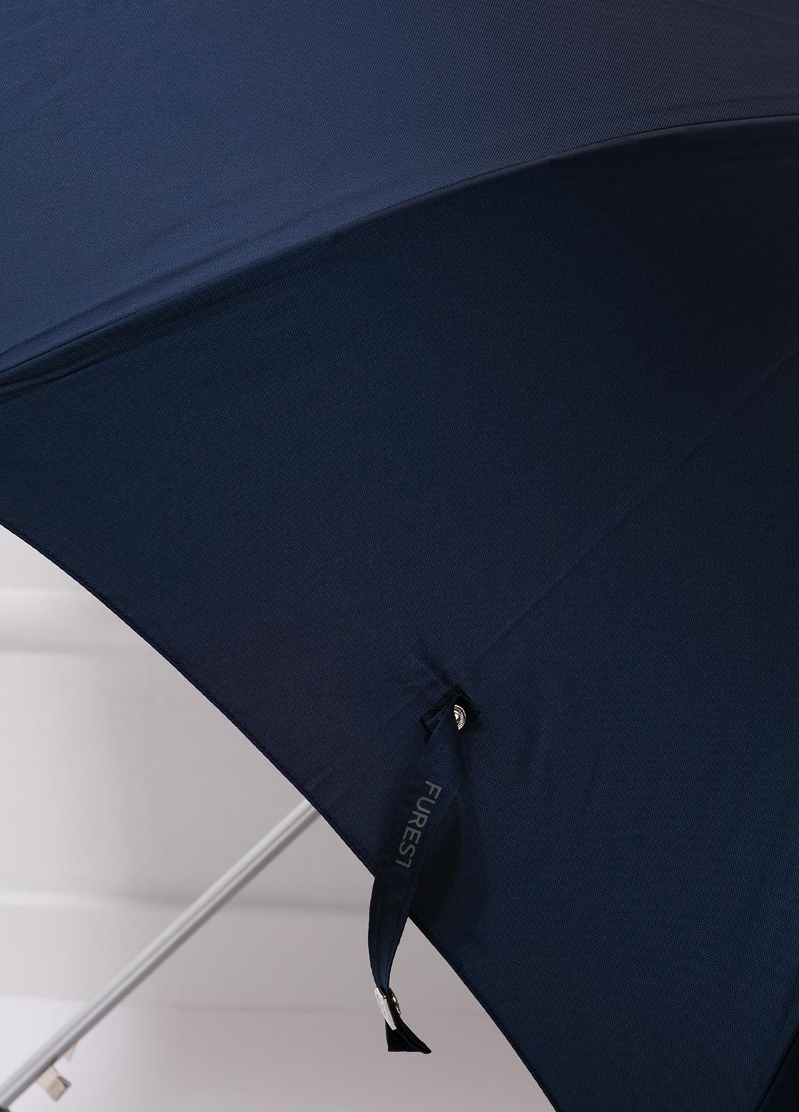 Paraguas con diseño liso color azul marino y puño de madera. - Ítem2