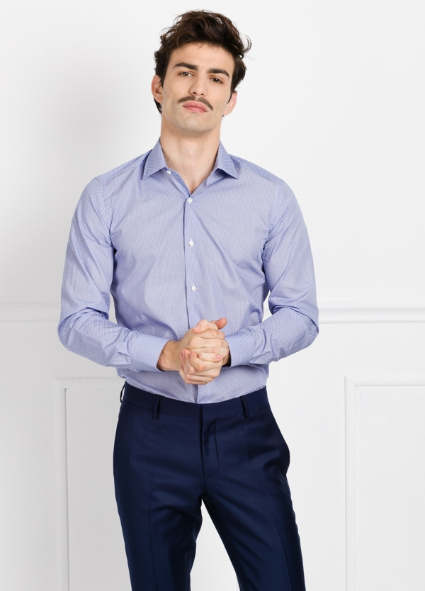 Camisa Formal Wear SLIM FIT cuello italiano modelo ROMA microdibujo color azul. 100% Algodón.