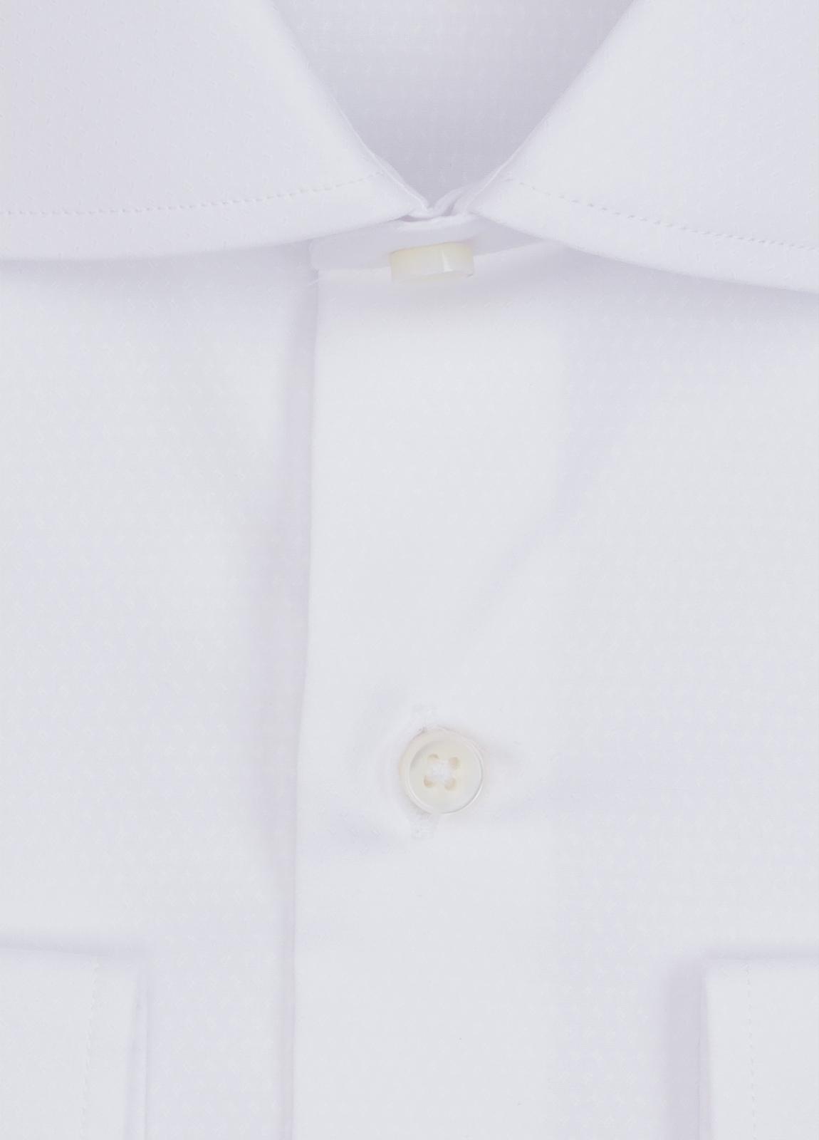 Camisa Formal Wear REGULAR FIT cuello italiano modelo TAILORED NAPOLI micrograbado color blanco. 100% Algodón. - Ítem1