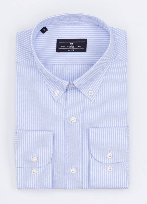 Camisa Formal Wear REGULAR FIT modelo BOTTON DOWN con diseño de rayas color azul. 100% Algodón.