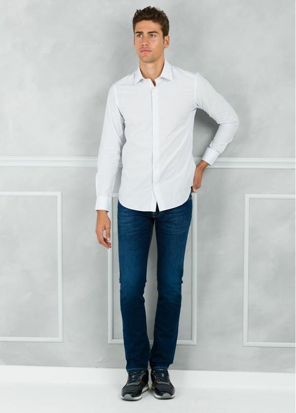 Camisa Leisure Wear SLIM FIT modelo PORTO microraya color blanco. 100% Algodón. - Ítem1