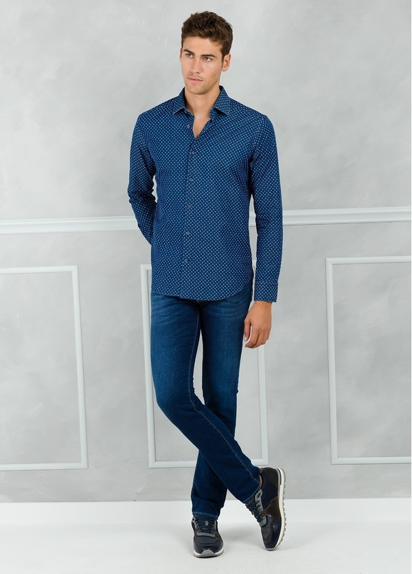 Camisa Leisure Wear SLIM FIT modelo PORTO microdibujo floral, color azul. 100% Algodón.