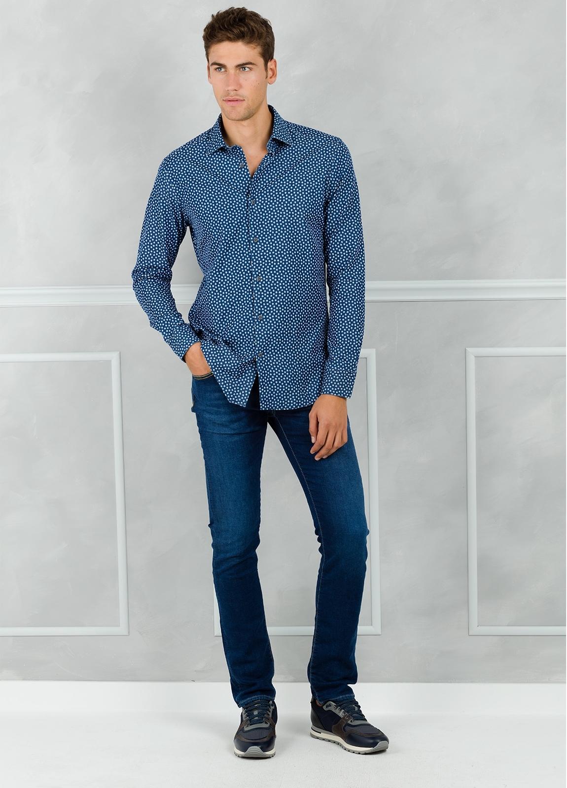 Camisa Leisure Wear SLIM FIT modelo PORTO dibujo floral, color azul. 100% Algodón. - Ítem1