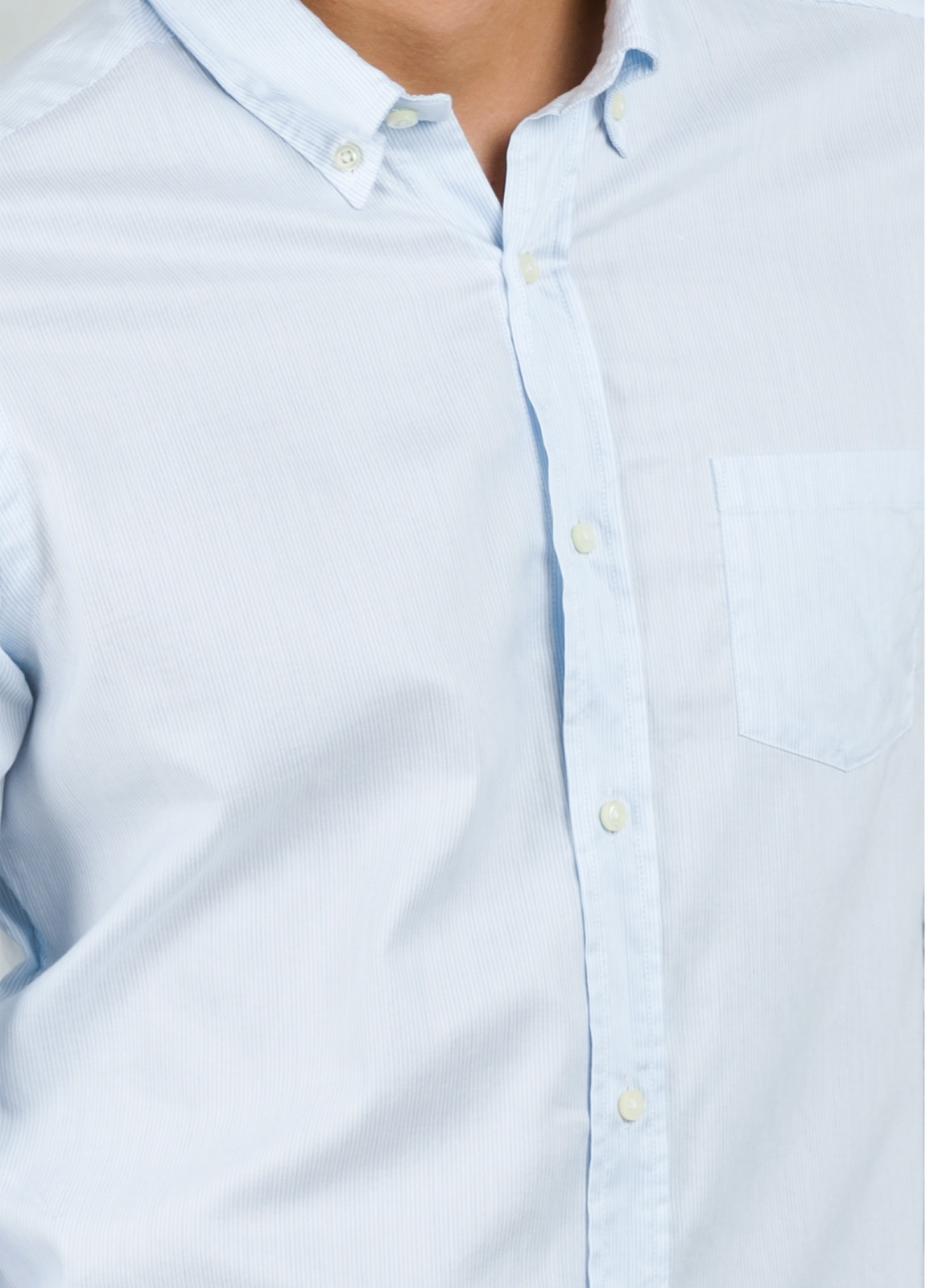 Camisa Leisure Wear REGULAR FIT Modelo BOTTON DOWN color celeste. 100% Algodón. - Ítem2