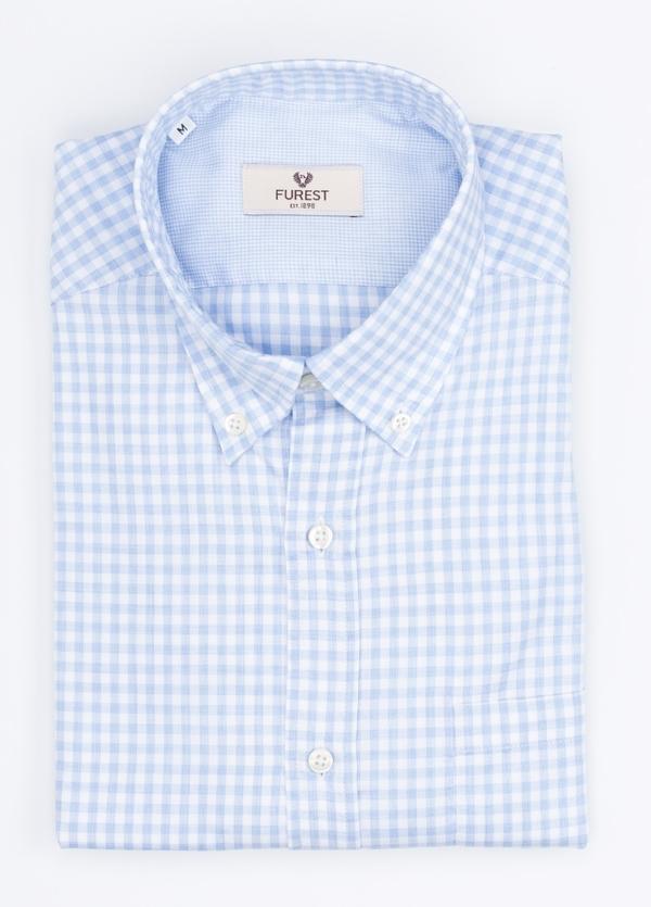 Camisa Leisure Wear REGULAR FIT Modelo BOTTON DOWN cuadro vichy color celeste. 100% Algodón.