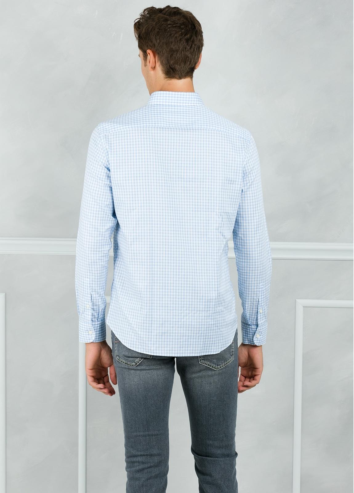 Camisa Leisure Wear REGULAR FIT Modelo BOTTON DOWN cuadro vichy color celeste. 100% Algodón. - Ítem2