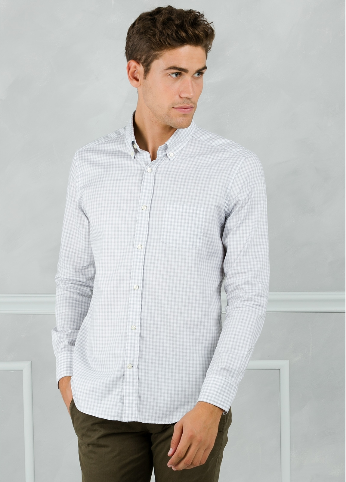 Camisa Leisure Wear REGULAR FIT Modelo BOTTON DOWN con cuadro vichy color gris. 100% Algodón. - Ítem1