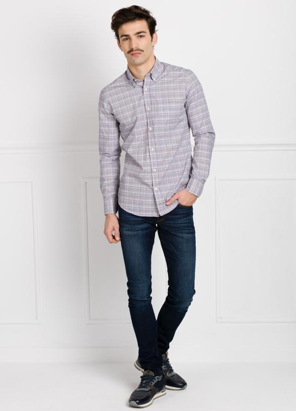 Camisa Leisure Wear REGULAR FIT Modelo BOTTON DOWN cuadros color gris y granate. 100% Algodón.