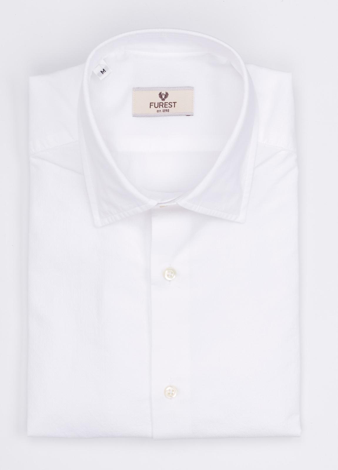 Camisa Leisure Wear SLIM FIT modelo PORTO color blanco. 100% Algodón.