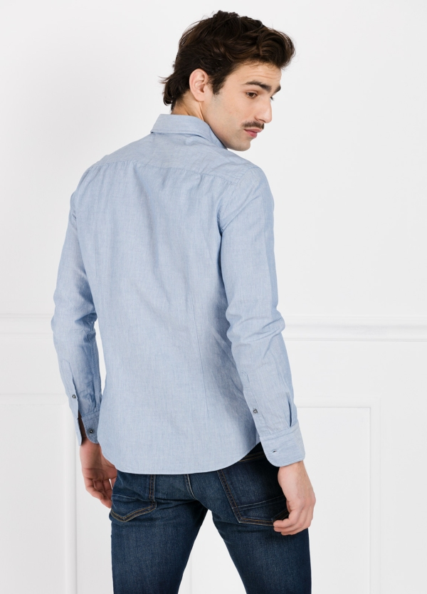 Camisa Leisure Wear SLIM FIT modelo PORTO diseño liso color azul. 100% Algodón. - Ítem2