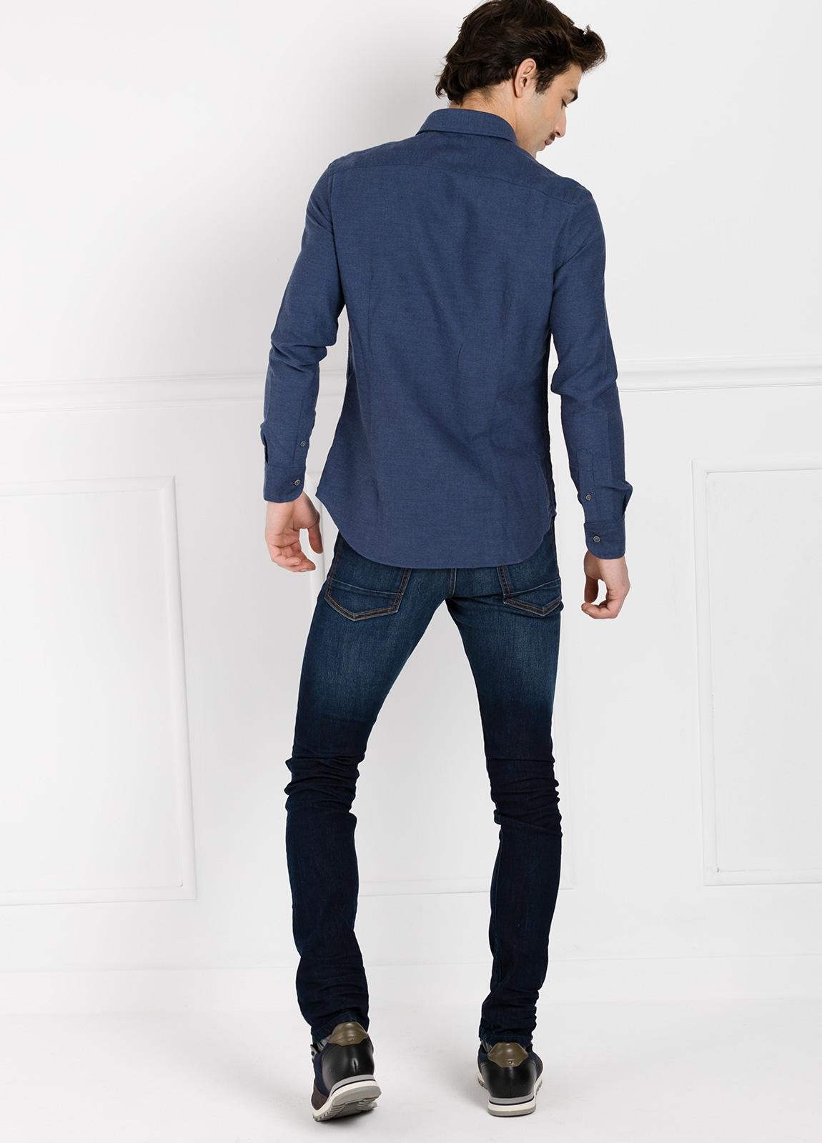 Camisa Leisure Wear SLIM FIT modelo PORTO diseño liso color azul marino. 100% Algodón. - Ítem1