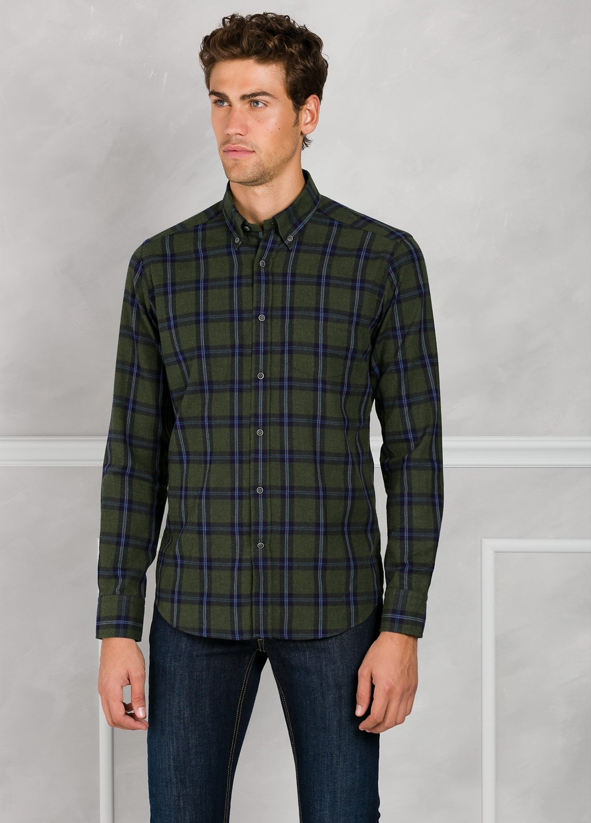Camisa Leisure Wear REGULAR FIT Modelo BOTTON DOWN cuadros color verde. 100% Algodón.