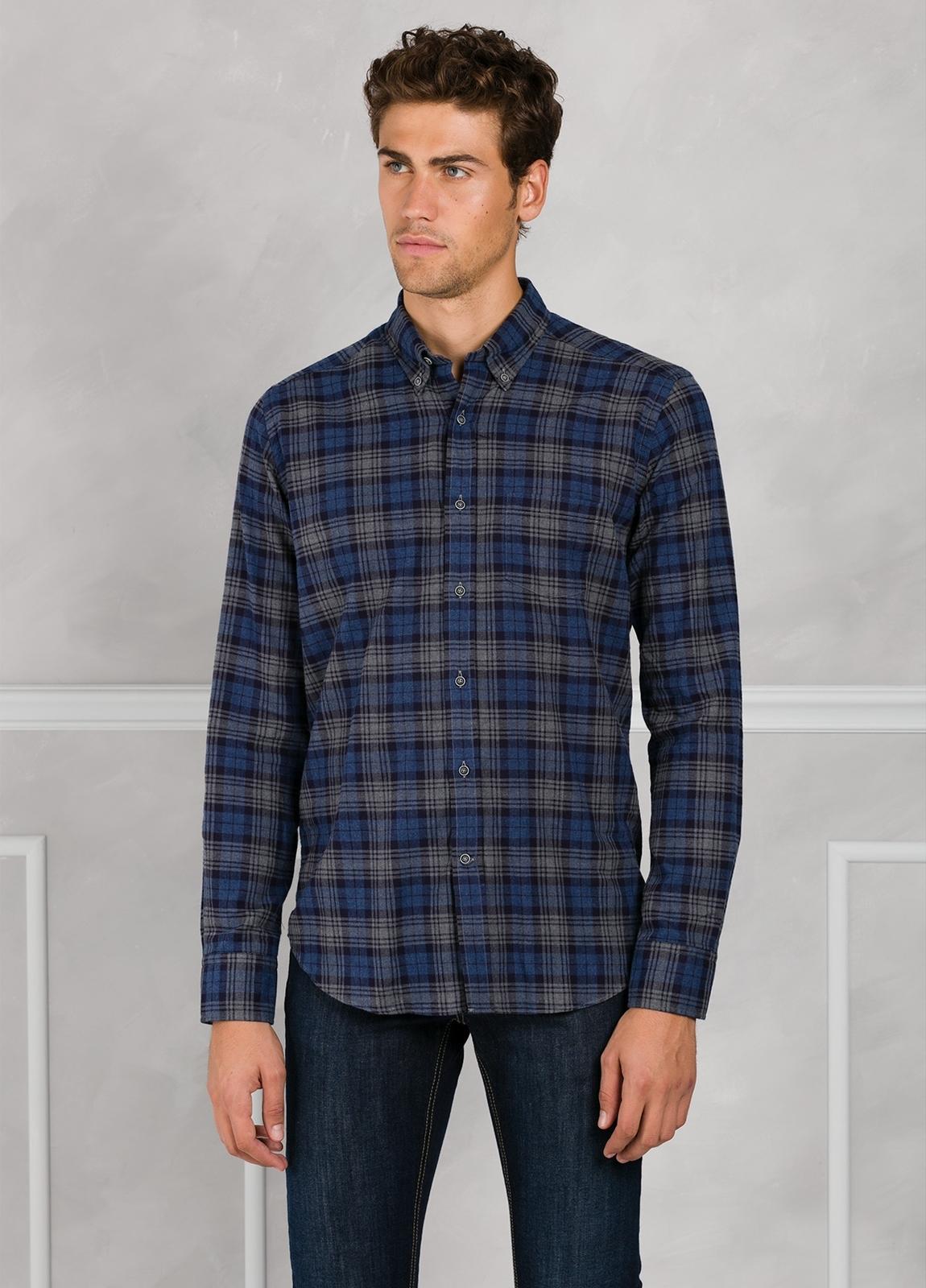 Camisa Leisure Wear REGULAR FIT Modelo BOTTON DOWN cuadros color azul marino. 100% Algodón.