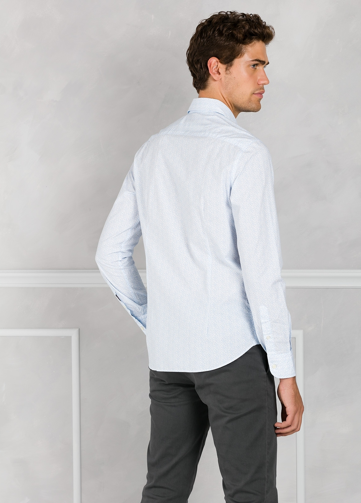 Camisa Leisure Wear SLIM FIT modelo PORTO micro dibujo color celeste. 100% Algodón. - Ítem2