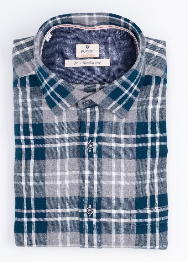 Camisa Casual Wear SLIM FIT Modelo PORTO maxi cuadros color azul con bolsillo en pecho. 100% Algodón.