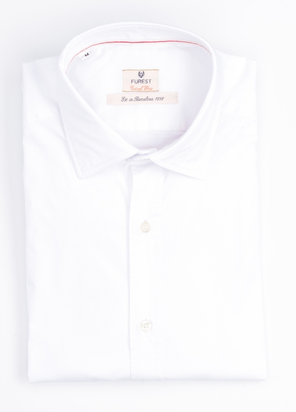 Camisa Casual Wear SLIM FIT Modelo PORTO micro textura color blanco. 100% Algodón.