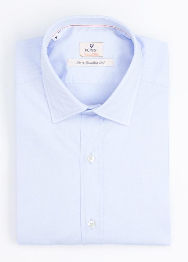 Camisa Casual Wear SLIM FIT Modelo PORTO micro textura color celeste. 100% Algodón.