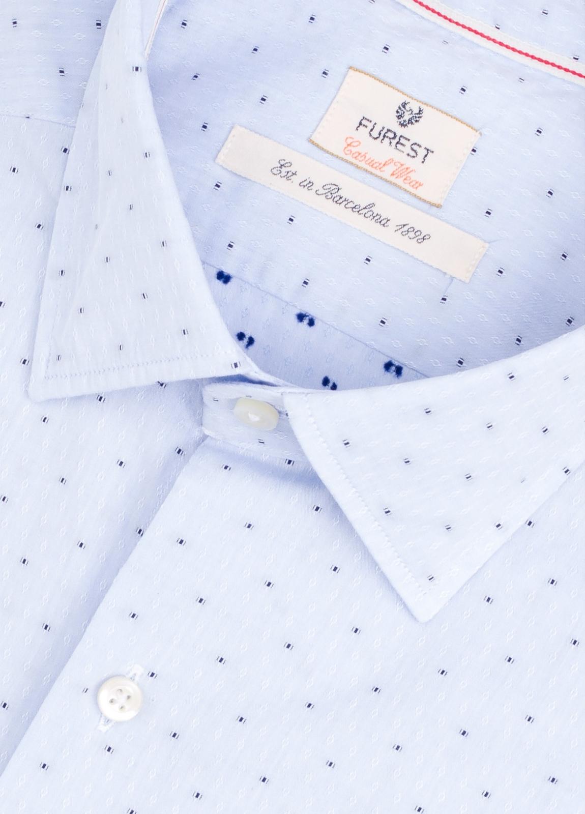 Camisa Casual Wear SLIM FIT Modelo PORTO microdibujo color celeste.100% Algodón. - Ítem1