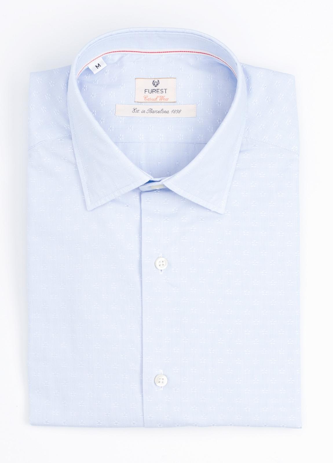 Camisa Casual Wear SLIM FIT Modelo PORTO micrograbado color celeste.100% Algodón.