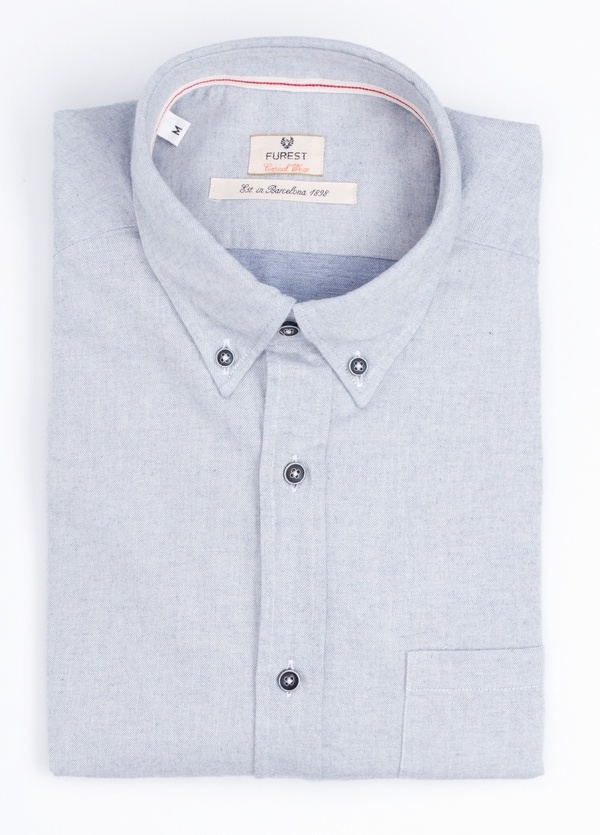 Camisa Casual Wear SLIM FIT Modelo BOTTON DOWN textura color gris con bolsillo en pecho. 100% Algodón.