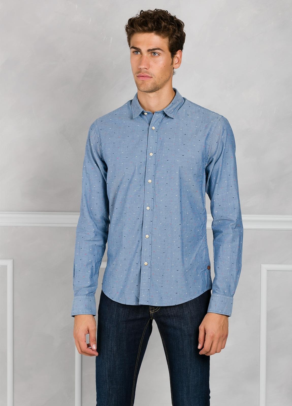 Camisa slim fit de tejido oxford color azul. 100% Algodón.