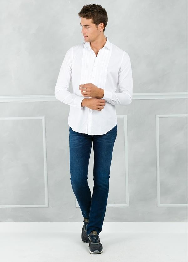 Camisa sport SLIM FIT modelo AIDA con plastrón frontal, color blanco. 100% Algodón.