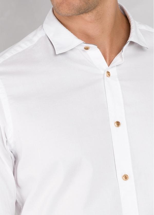 Camisa sport SLIM FIT lisa color blanco con pliegue en espalda. 100% Algodón oxford. - Ítem2