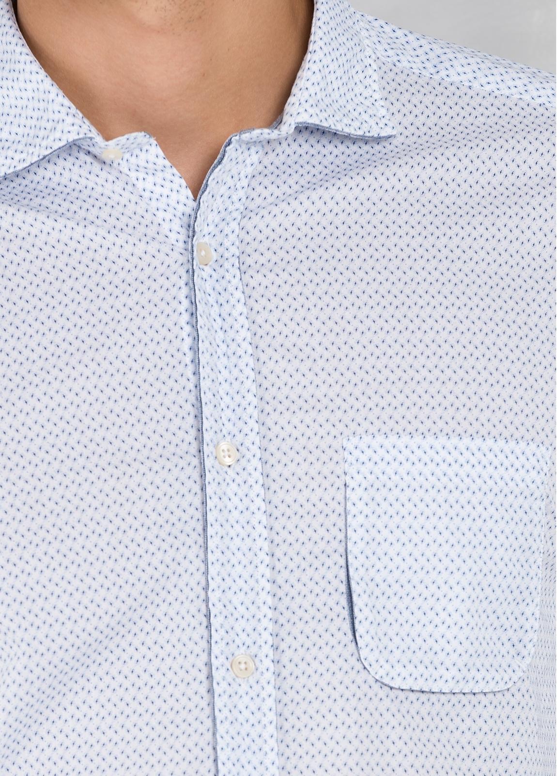 Camisa sport SLIM FIT microestampado color celeste con pliegue en espalda y bolsillo. 100% algodón. - Ítem2