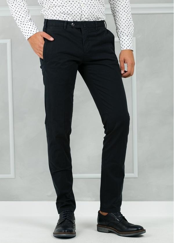 Pantalón chino modelo SANTA color azul marino. 98% Algodón 2% Elastán. - Ítem3