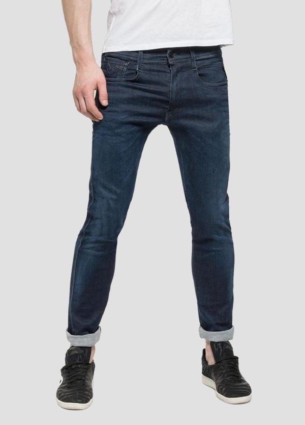 Pantalón tejano 11,5 oz elástico SLIM HYPERFLEX ANBAScolor azul denim. 85% Algodón 10% Poliéster 5% Elastano.