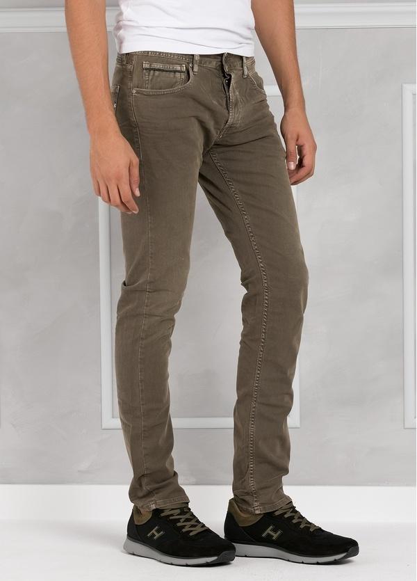 Pantalón tejano 9,5 oz SLIM MA 972 GROVER color kaki lavado a la piedra. 98% Algodón 2% elastán.