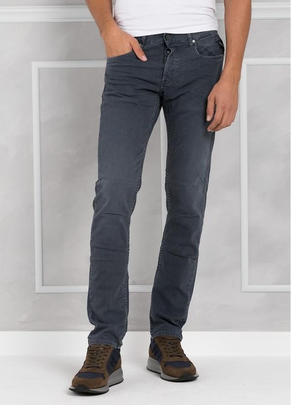 Pantalón tejano 9,5 oz SLIM MA 972 GROVER color azul lavado a la piedra. 98% Algodón 2% elastán.