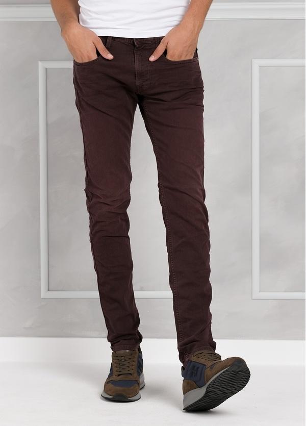 Pantalón tejano 9,5 oz SLIM M914 ANBASS color granate lavado. 98% Algodón 2% elastán.