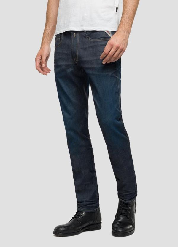 Pantalón tejano 11,5 oz elástico SLIM HYPERFLEX ANBAScolor azul oscuro. 85% Algodón 10% Poliéster 5% Elastano.