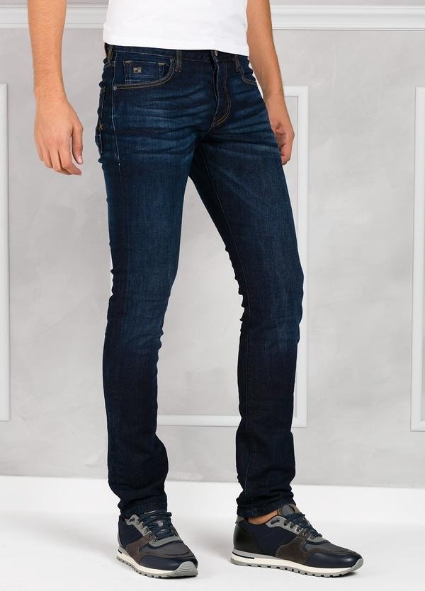 Pantalón tejano regular slim fit modelo RALSTON denim elástico color azul oscuro. 98% Algodón 2% Elastano. - Ítem1