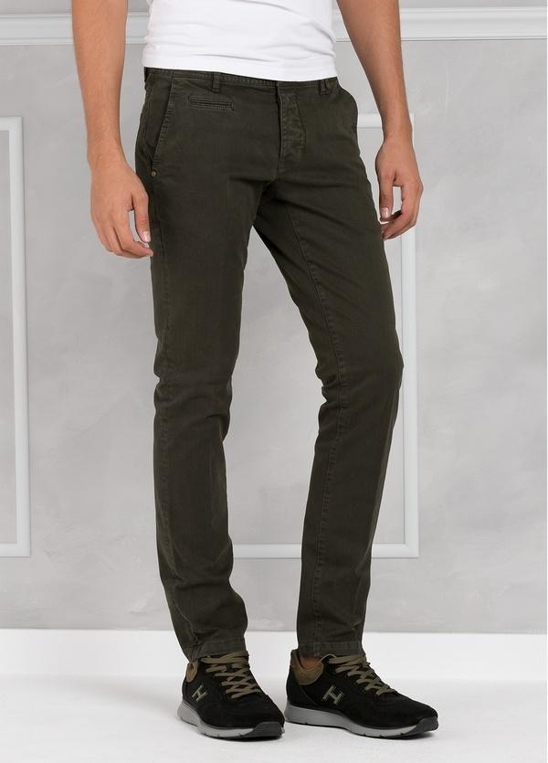 Pantalón 5 bolsillos modelo BRAD 01 color kaki. 97% Algodón 3% Elastán. - Ítem1