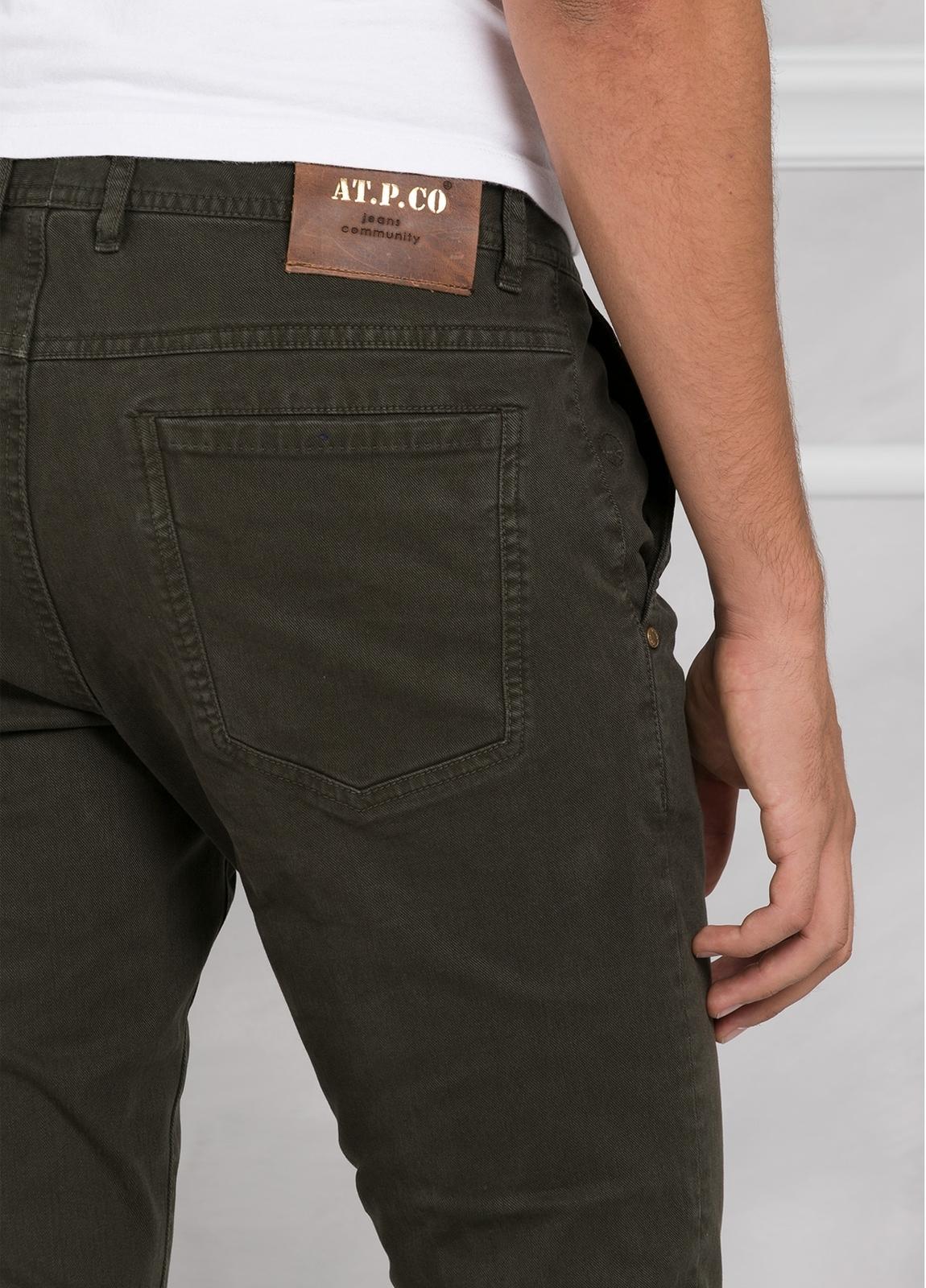 Pantalón 5 bolsillos modelo BRAD 01 color kaki. 97% Algodón 3% Elastán. - Ítem3