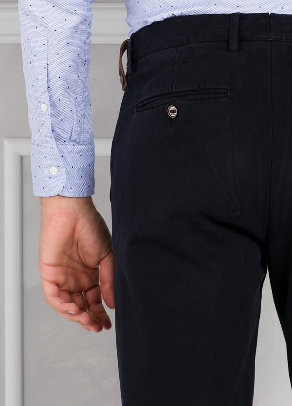 Pantalón chino ligeramente slim fit modelo GASPAR color azul marino. 100% Algodón tricotina. - Ítem2