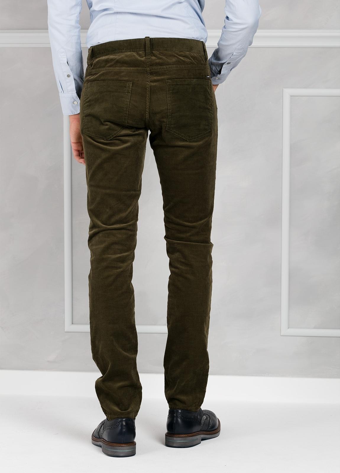 Pantalón 5 bolsillos micropana modelo FRED color kaki. 98% Algodón 2% Elastano. - Ítem2