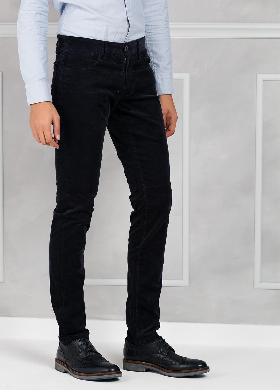 Pantalón 5 bolsillos micropana modelo FRED color azul marino. 98% Algodón 2% Elastano. - Ítem1