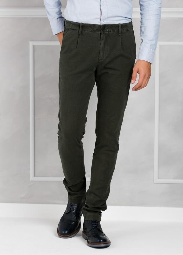 Pantalón sport Slim Fit con pliegues color marengo. 93% Algodón 7% Elastano. - Ítem1