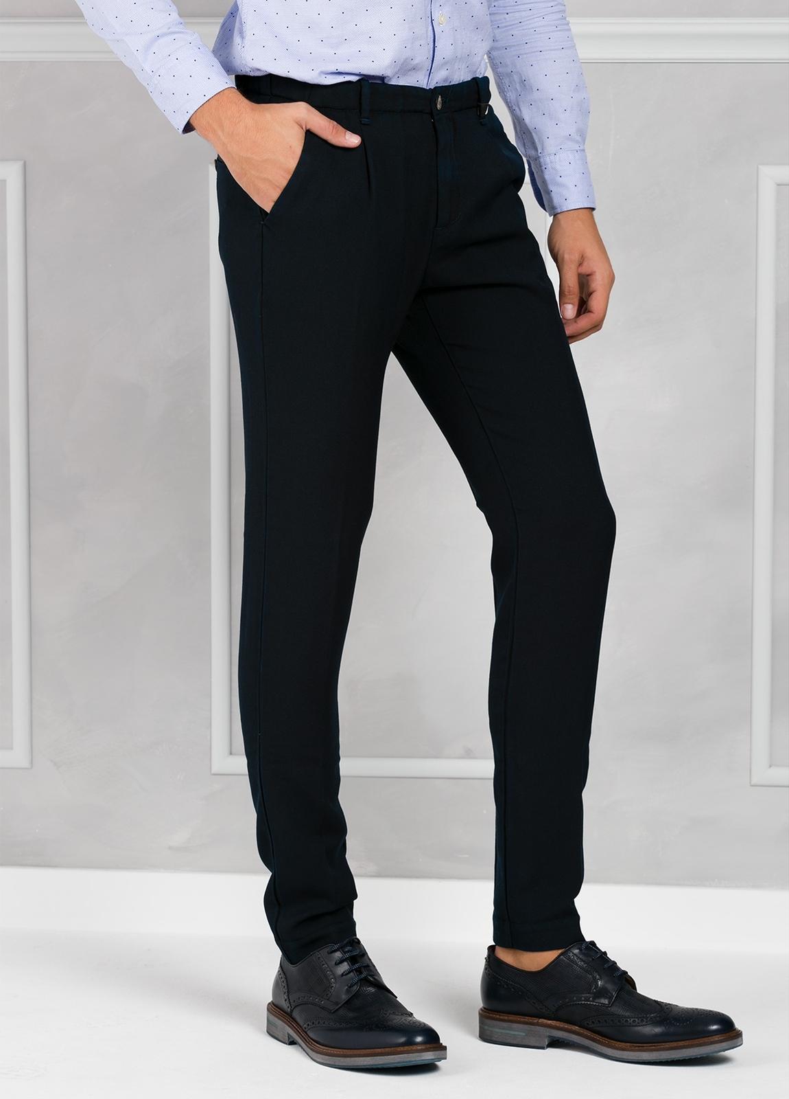 Pantalón sport Slim Fit con pliegues color azul marino. 100% Lana lavada. - Ítem2